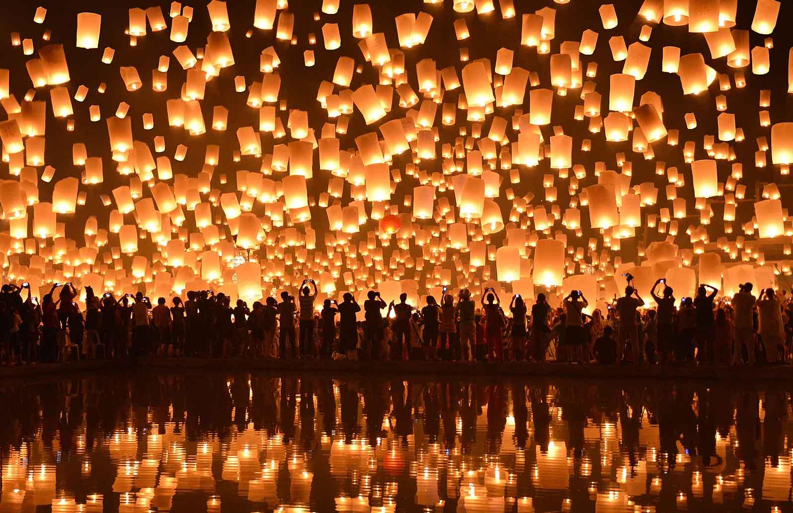 Un-cielo-di-lanterne