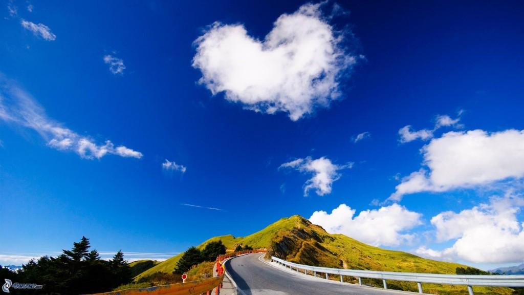 cuore-nel-cielo,-nuvola,-strada-164149