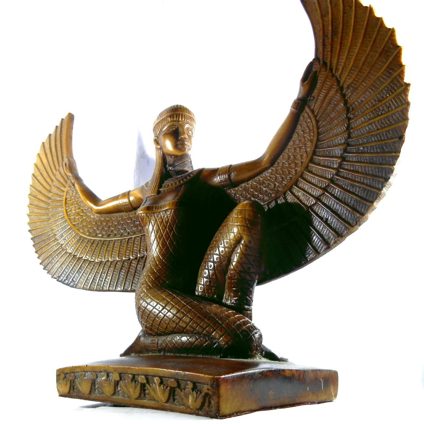 statua-dea-iside-alata